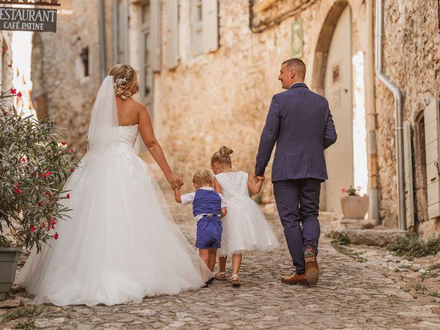 Le mariage de Remy et Laura à Allan, Drôme 23