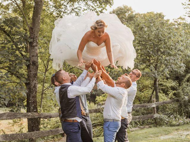 Le mariage de Remy et Laura à Allan, Drôme 36