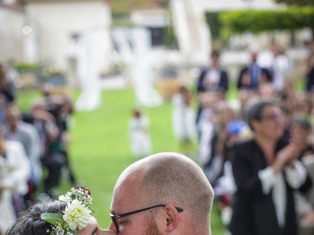 Le mariage de Benoit et Célia à Saint-Médard-d'Eyrans, Gironde 31