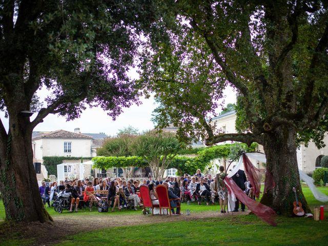 Le mariage de Benoit et Célia à Saint-Médard-d'Eyrans, Gironde 40