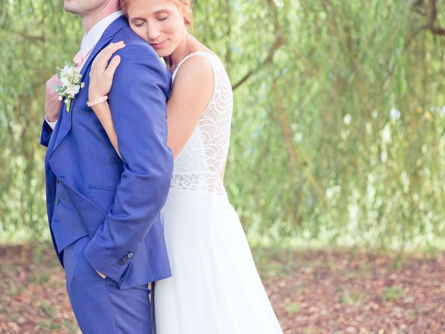 Le mariage de Axel et Perrine à Compiègne, Oise 40
