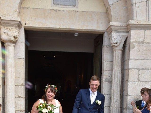 Le mariage de Stéphanie et Florent à Lantignié, Rhône 15
