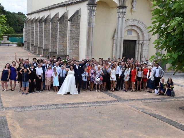 Le mariage de Stéphanie et Florent à Lantignié, Rhône 16