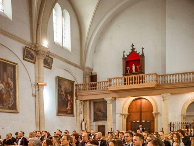 Le mariage de Russell et Verity à Saint-Martory, Haute-Garonne 32