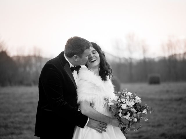 Le mariage de Russell et Verity à Saint-Martory, Haute-Garonne 38