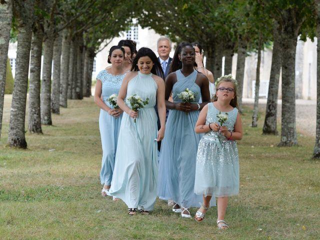 Le mariage de Aurélien et Marie à Pont-l'Abbé-d'Arnoult, Charente Maritime 20