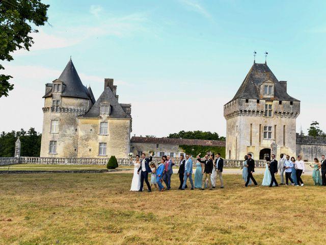 Le mariage de Aurélien et Marie à Pont-l'Abbé-d'Arnoult, Charente Maritime 43