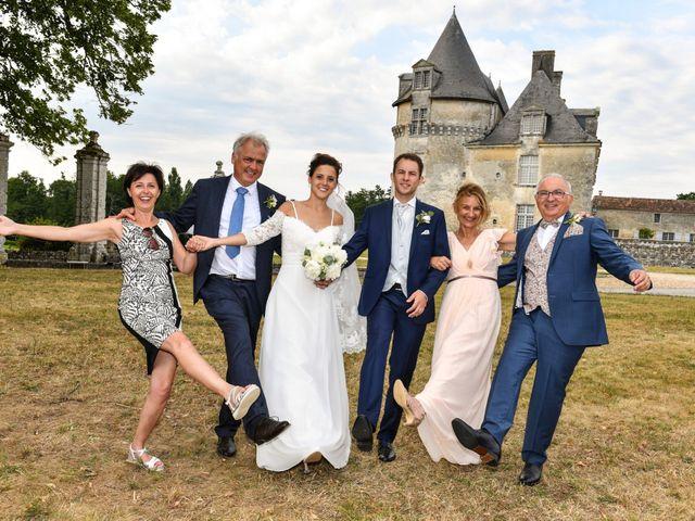 Le mariage de Aurélien et Marie à Pont-l'Abbé-d'Arnoult, Charente Maritime 49