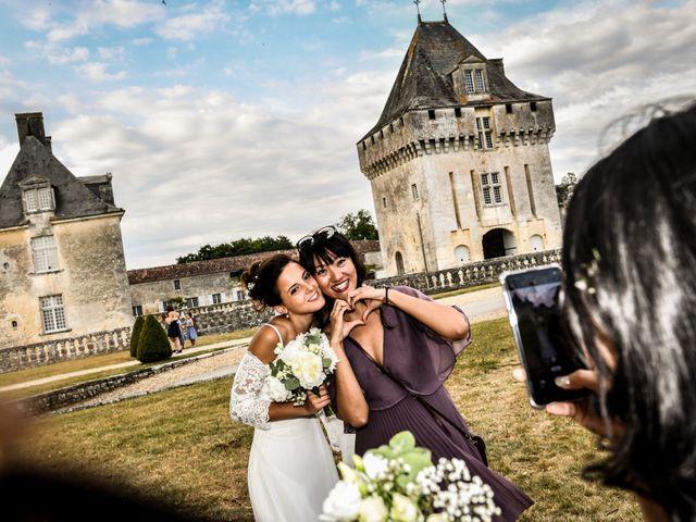 Le mariage de Aurélien et Marie à Pont-l'Abbé-d'Arnoult, Charente Maritime 51