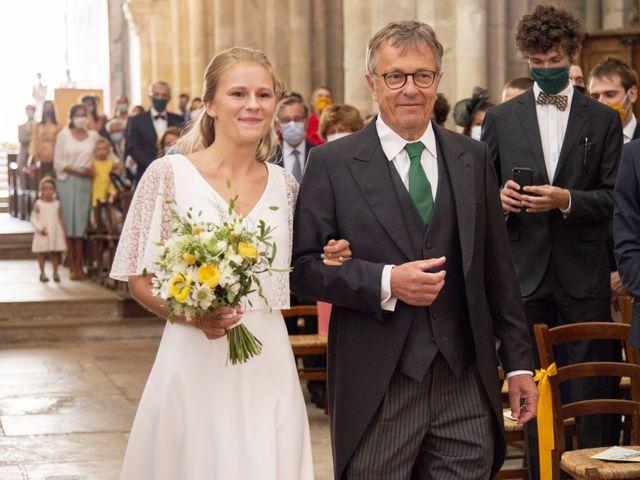Le mariage de Vianney et Agathe à Avallon, Yonne 5