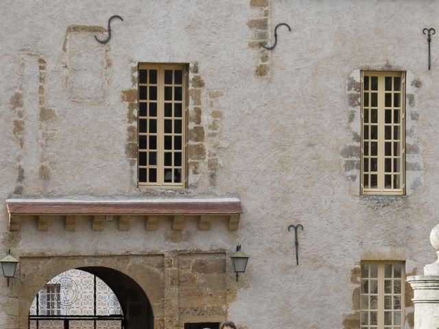 Le mariage de Vianney et Agathe à Avallon, Yonne 23