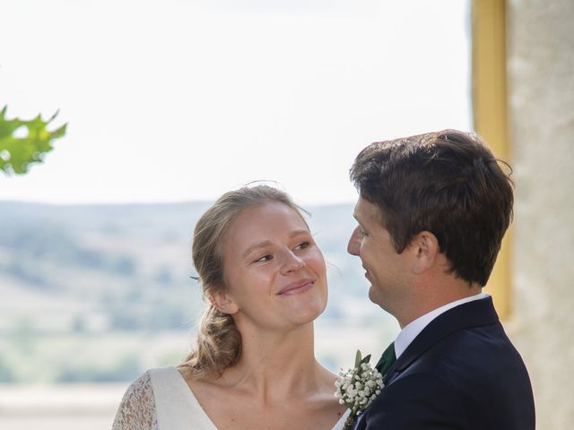 Le mariage de Vianney et Agathe à Avallon, Yonne 25