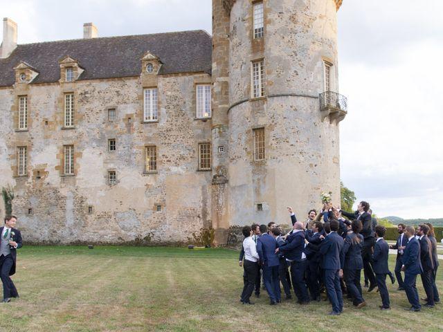 Le mariage de Vianney et Agathe à Avallon, Yonne 33