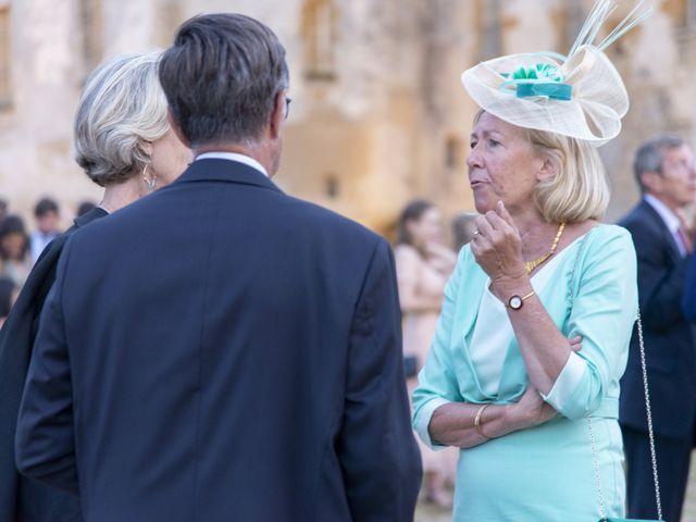 Le mariage de Vianney et Agathe à Avallon, Yonne 37