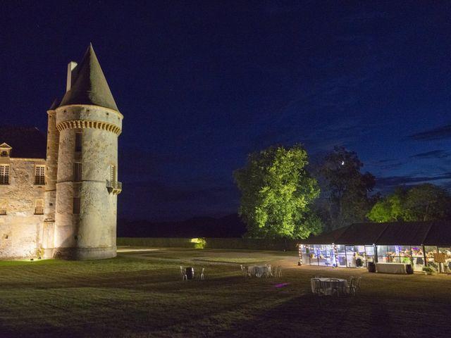 Le mariage de Vianney et Agathe à Avallon, Yonne 39