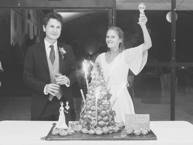 Le mariage de Vianney et Agathe à Avallon, Yonne 42