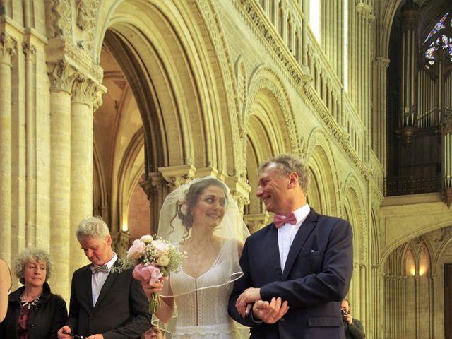 Le mariage de Ken et Mathilde à Creully, Calvados 14
