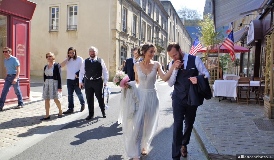 Le mariage de Ken et Mathilde à Creully, Calvados