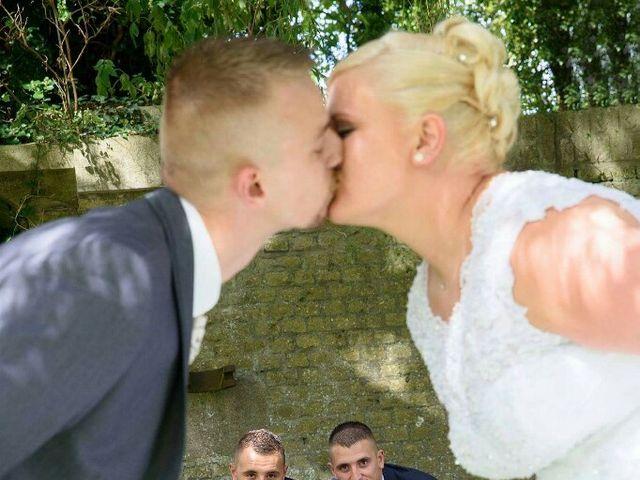 Le mariage de Thomas et Pauline à Bergues, Nord 3