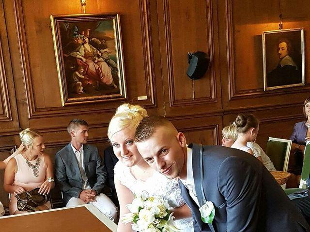 Le mariage de Thomas et Pauline à Bergues, Nord 5