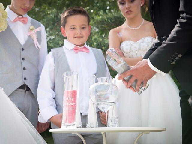 Le mariage de Thomas et Audrey à Saint-Vaize, Charente Maritime 22