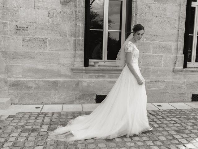 Le mariage de Raphaël et Camille à Eyrans, Gironde 33