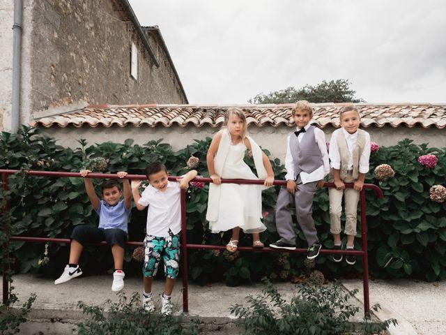 Le mariage de Raphaël et Camille à Eyrans, Gironde 51