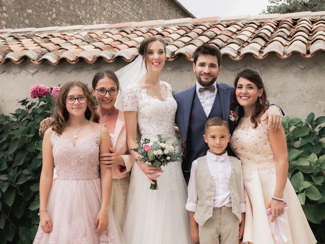 Le mariage de Raphaël et Camille à Eyrans, Gironde 52