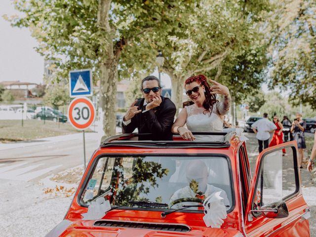 Le mariage de Christophe et Anthéa à Saint-Martin-la-Plaine, Loire 30