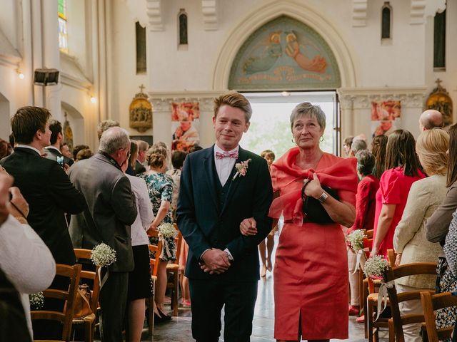 Le mariage de Romain et Agathe à Bouvines, Nord 9