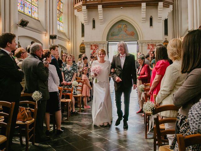 Le mariage de Romain et Agathe à Bouvines, Nord 10