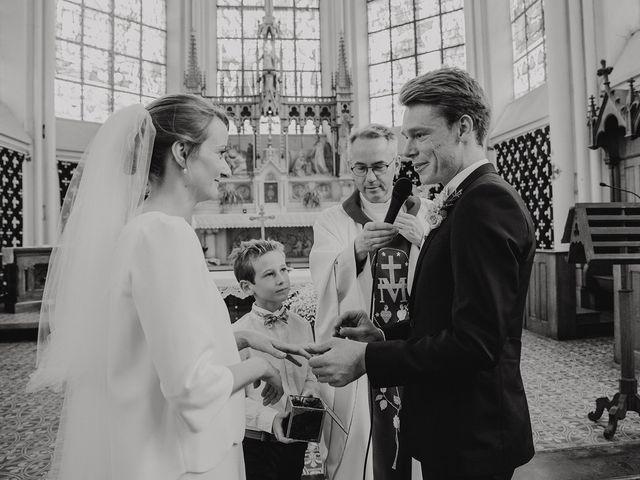 Le mariage de Romain et Agathe à Bouvines, Nord 14