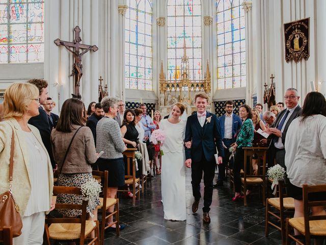 Le mariage de Romain et Agathe à Bouvines, Nord 17