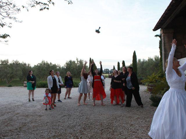 Le mariage de Valentin et Aurélie à Paradou, Bouches-du-Rhône 45