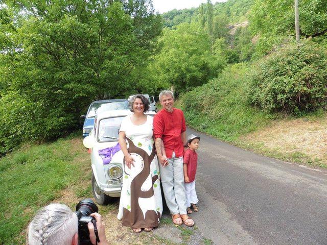 Le mariage de Bernard et Valérie à Langeac, Haute-Loire 3