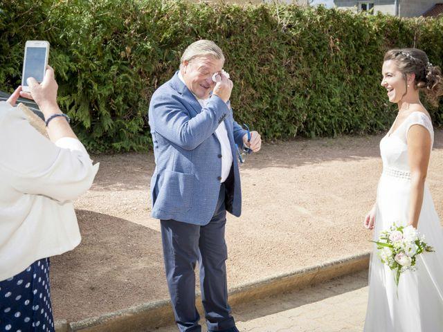 Le mariage de Rémi et Mélanie à Fareins, Ain 10
