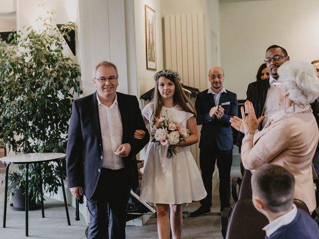 Le mariage de Yohann et Camille à Pont-l'Évêque, Calvados 3