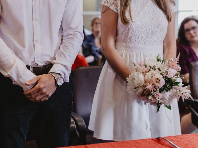 Le mariage de Yohann et Camille à Pont-l'Évêque, Calvados 4