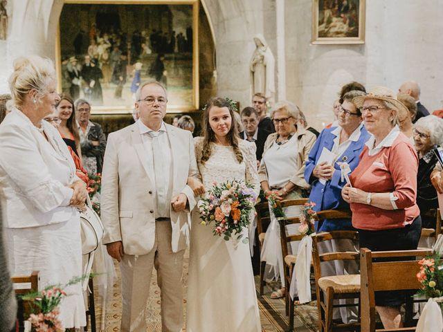 Le mariage de Yohann et Camille à Pont-l'Évêque, Calvados 42