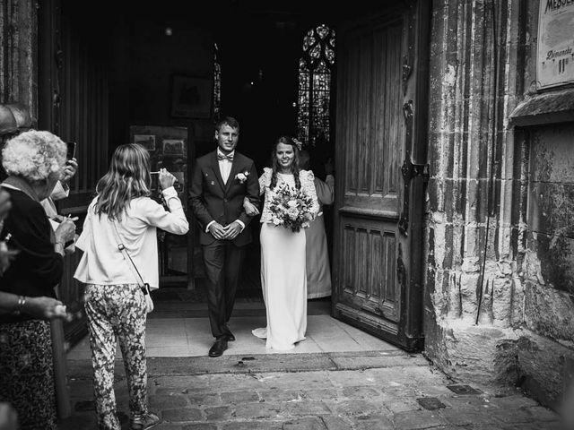 Le mariage de Yohann et Camille à Pont-l'Évêque, Calvados 56