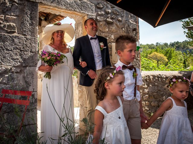 Le mariage de Hervé et Corinne à Labeaume, Ardèche 58
