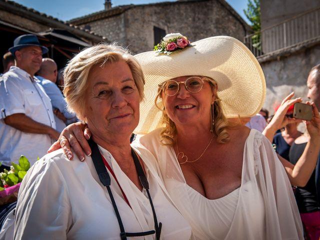Le mariage de Hervé et Corinne à Labeaume, Ardèche 59