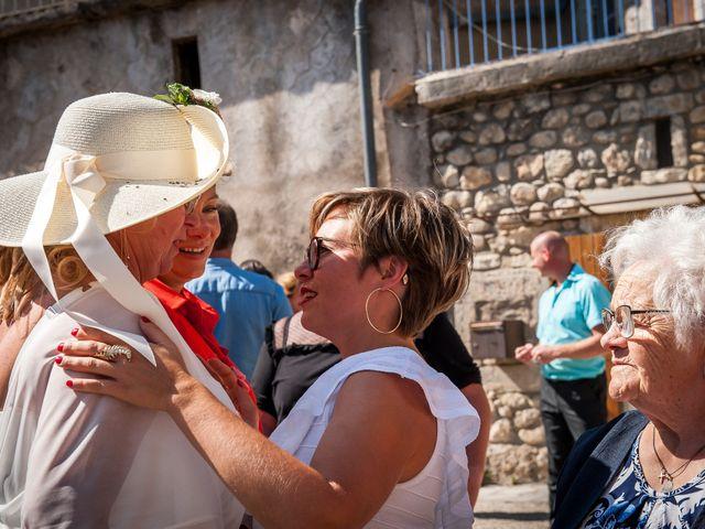 Le mariage de Hervé et Corinne à Labeaume, Ardèche 64