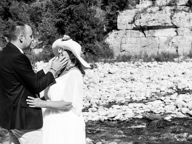 Le mariage de Hervé et Corinne à Labeaume, Ardèche 77