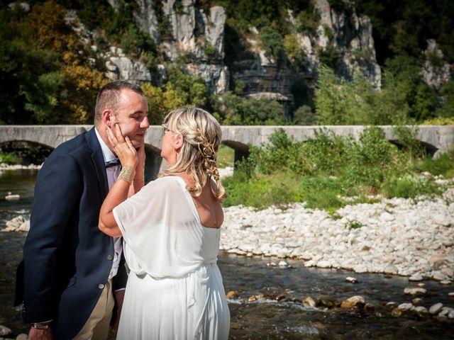 Le mariage de Hervé et Corinne à Labeaume, Ardèche 78