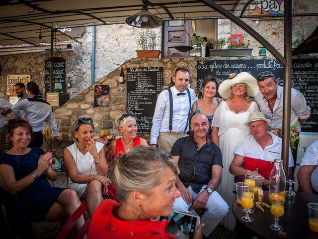 Le mariage de Hervé et Corinne à Labeaume, Ardèche 89