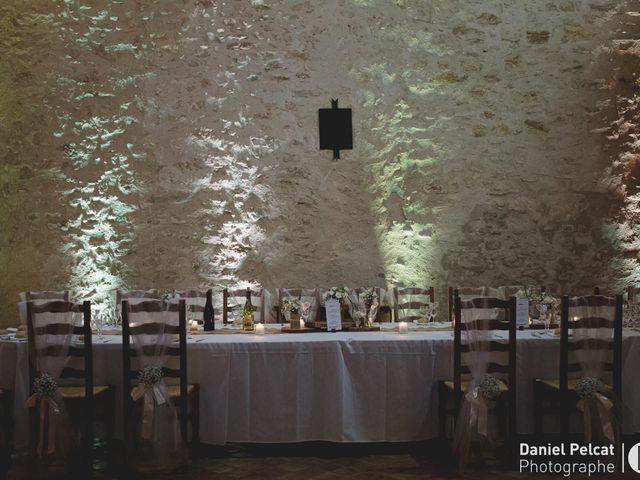Le mariage de Clément et Marie à Jouques, Bouches-du-Rhône 17