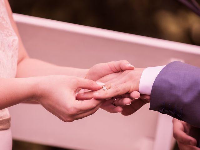 Le mariage de Alexandre et Gaëlle à Beaubery, Saône et Loire 44