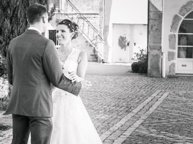 Le mariage de Xavier et Adeline à Charly, Rhône 15