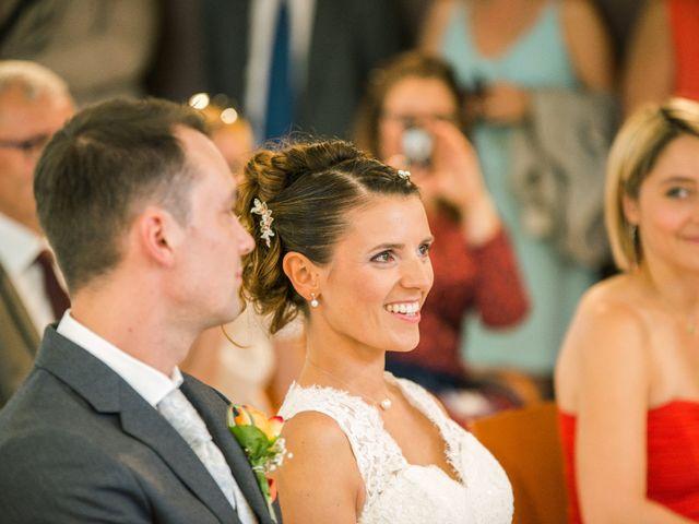 Le mariage de Xavier et Adeline à Charly, Rhône 25